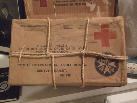 1024px-Red_Cross_Parcel